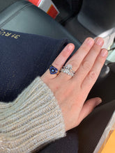 Load image into Gallery viewer, Blue Sapphire Heart Ring