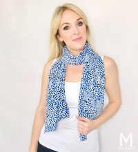 Load image into Gallery viewer, Cheeky Cheetah Magnetic Closure Scarf