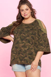 CAMO COULD SHOULDER KNIT TOP