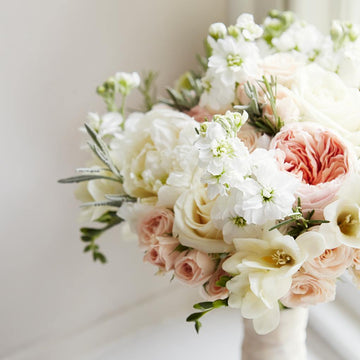 The Hybrid Bridal Bouquet