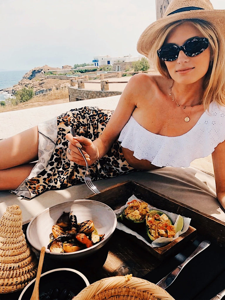 Model Eats with Sophie Sumner is Mykonos