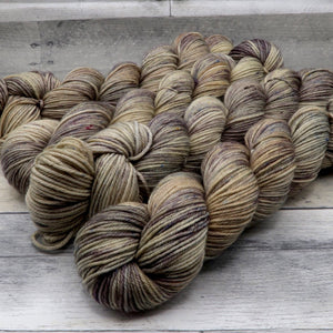 Darkness is not Permanent (Merino DK, speckled variegated)