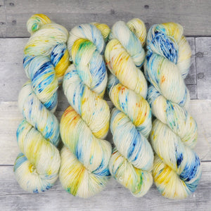 Mimblewimble (Simple Sock, speckled variegated)- speckles of warm yellow and blue