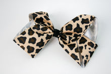 Load image into Gallery viewer, Leopard Hair Bow