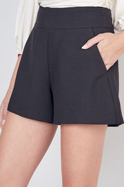 OLIVIA POCKET SHORT