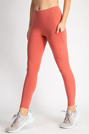 READY TO TRAIN POCKET LEGGINGS - TAUPE OR CORAL
