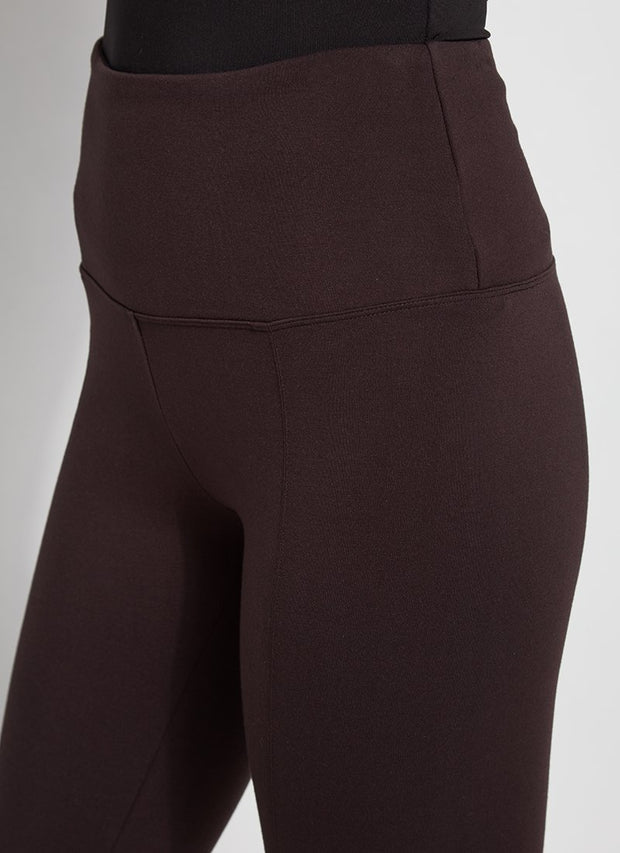 LYSSÉ: SIGNATURE  CENTER SEAM PONTE LEGGING - DOUBLE ESPRESSO