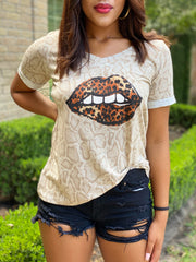 ON THE WILD SIDE LIP TEE