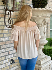RUFFLES ON THE WAY TOP