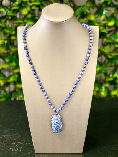 MILA BLUE AGATE NECKLACE