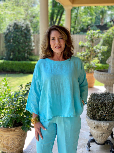 BLUE SHERBET LINEN SCOOP BLOUSE