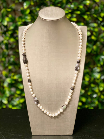 POLLY PEARL NECKLACE