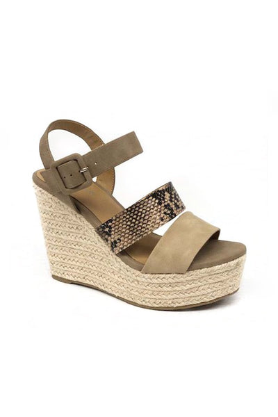 ONLINE EXCLUSIVE:  HARPER WEDGE