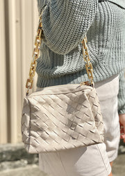 CHIC STREET WOVEN BAG