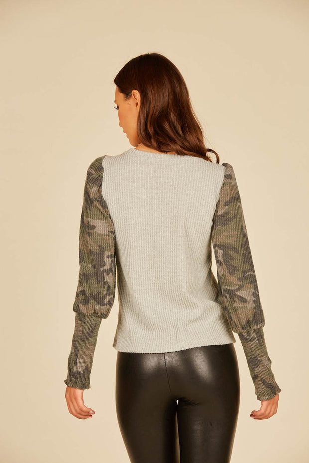 CATCH ME IF YOU CAN CAMO TOP