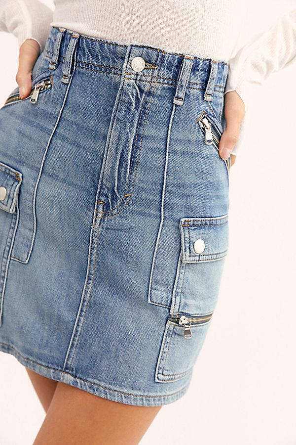 FREE PEOPLE: AVENUE MINI SKIRT