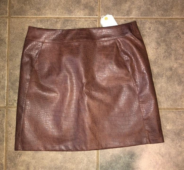 LOVERICHE FAUX LEATHER SKIRT