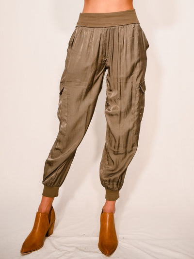 WINTER GENIE OLIVE SILK JOGGERS