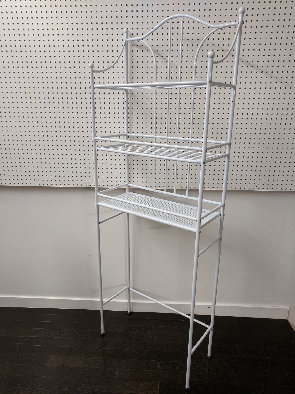 White Bathroom Shelf