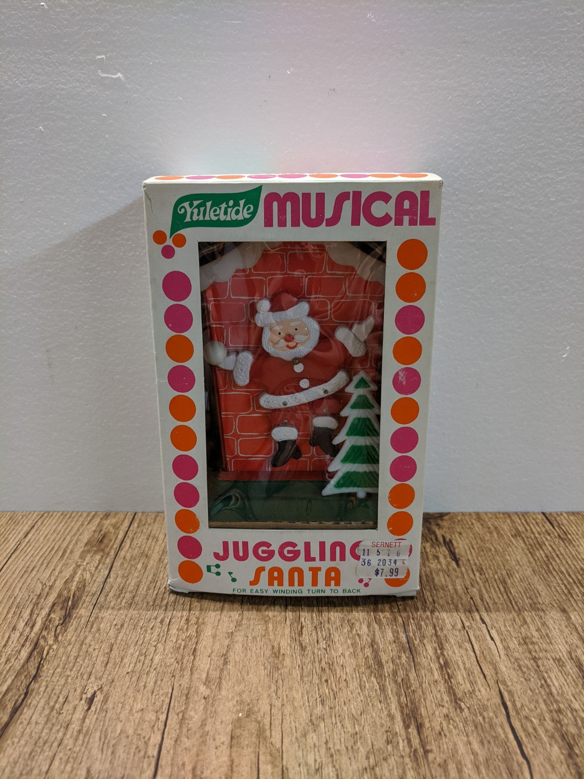 Yuletide Musical Juggling Santa