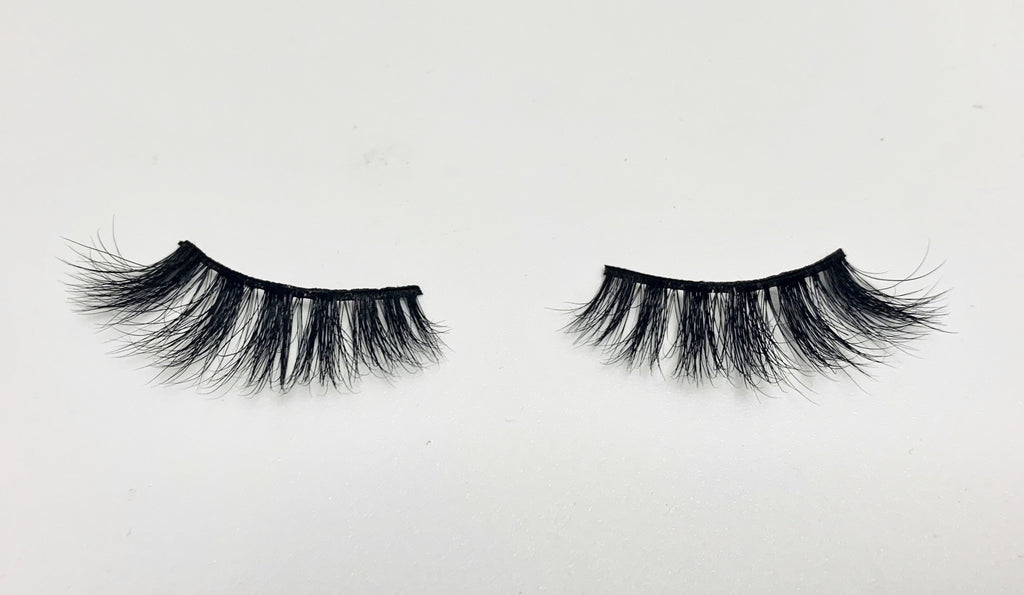 HIGH maintenance - Lyla Lashes