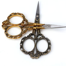 Load image into Gallery viewer, European Vintage Floral Scissors