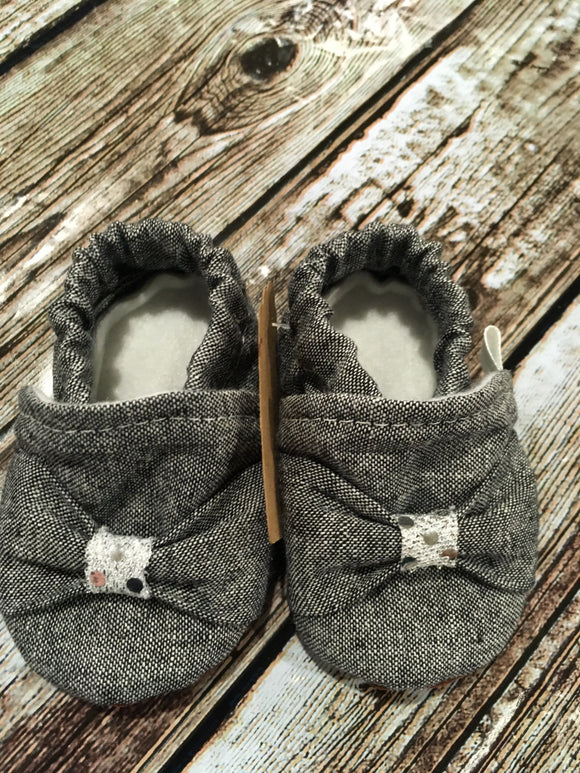 Charcoal Gray Blend Bow with Silver Gather (9-12 months)