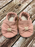Pink Blend Linen Bow with Cream Gather (0-3 months)