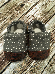 Gray with Solid Triangles with Leather Toe (12-18 months)