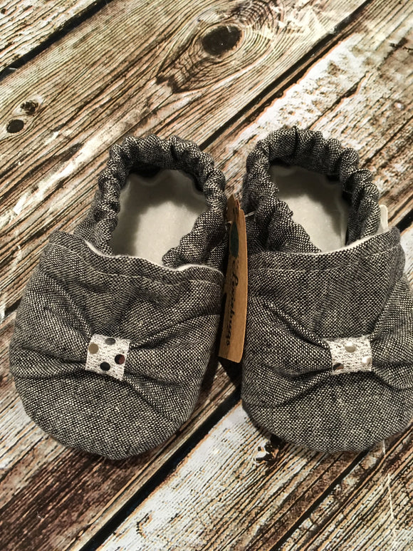 Charcoal Blend Linen Bow with Silver Gather (9-12 months)