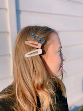 Load image into Gallery viewer, A POP LIFE Aqua Hair Clip