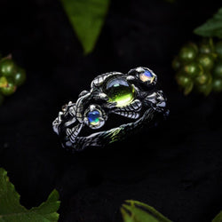 Triple Gemstone ring with Peridot and Opals