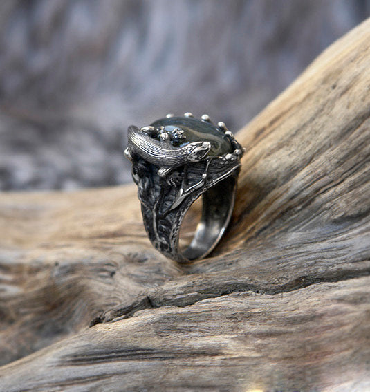 "Labradorite Ring ""Sauria"" in Sterling Silver"
