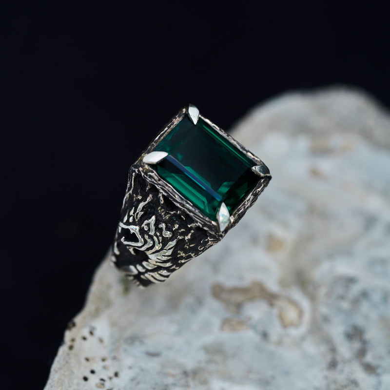 Green Quartz Men ring Dragon