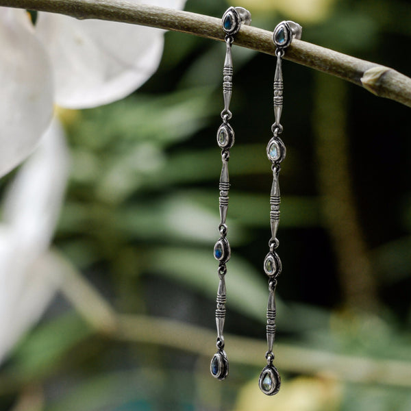 "Dangle Moonstone Earrings ""Gleam"" - blacktreelab"