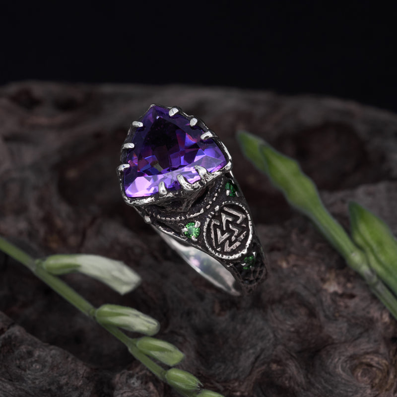 "Ring with Amethyst ""Portal"""