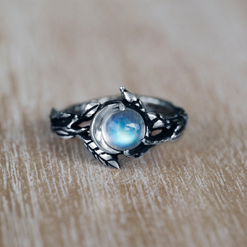 "Moon Phase Moonstone Engagement ring ""Luna"""