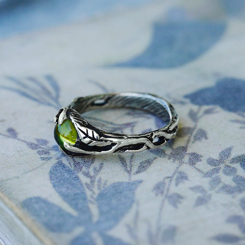 "Sterling Silver ring with Peridot ""Anais"""