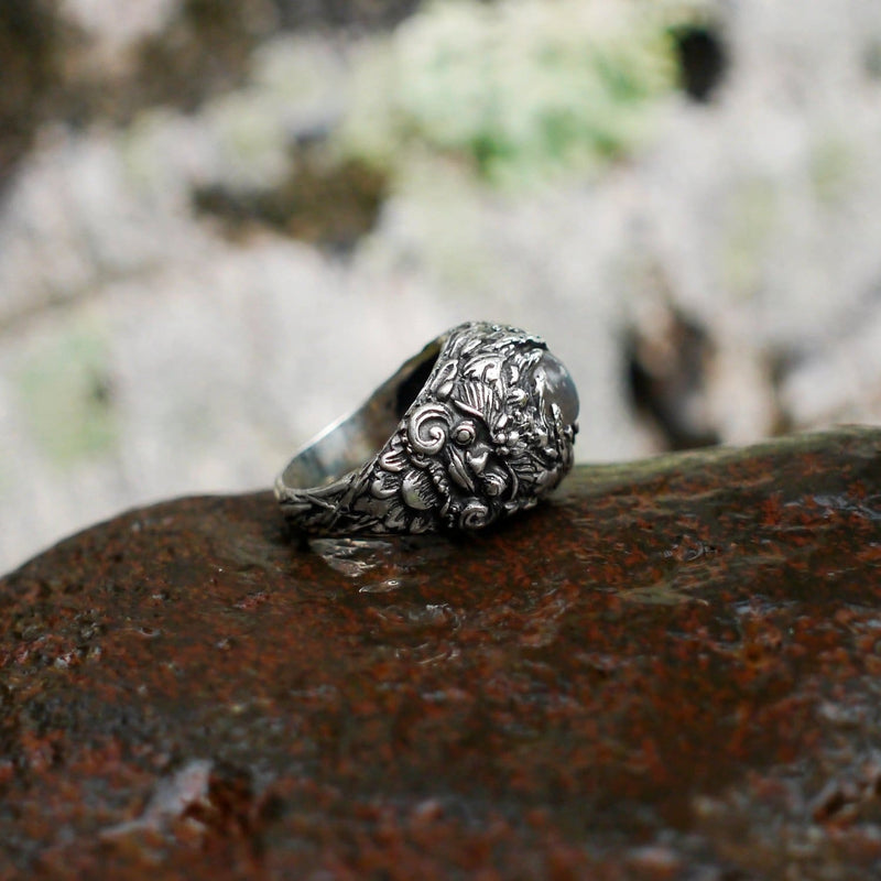 "Men's Sterling Silver Labradorite Ring ""Barong"" - blacktreelab"