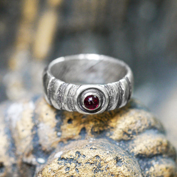 "Men's Sterling Silver Ring ""Axis"" with Garnet - blacktreelab"