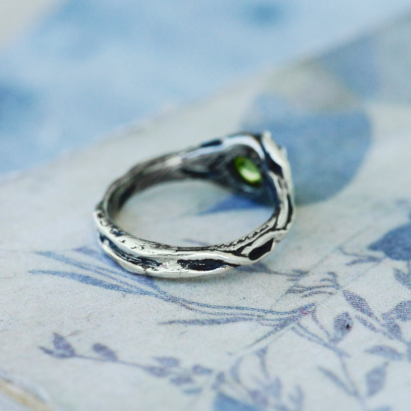 "Silver Ring with Peridot ""Anais"""