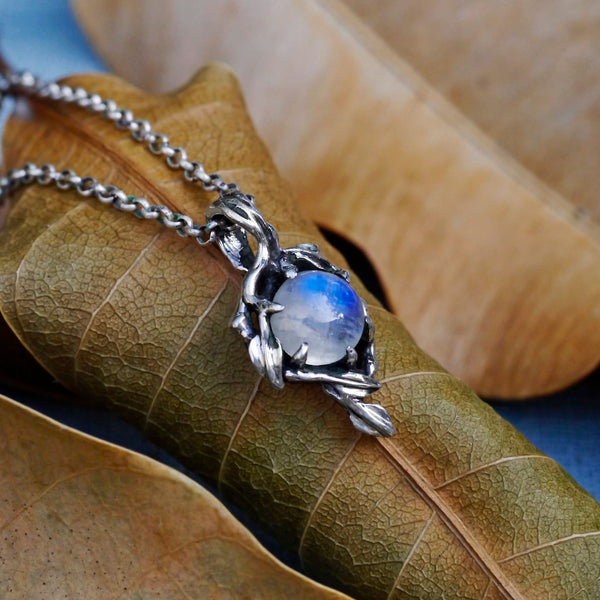 "Rainbow Moonstone Pendant ""Louise"" - blacktreelab"