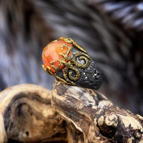 "Carnelian ring in Sterling Silver and Gold Gliding ""Mongolian Veld"""
