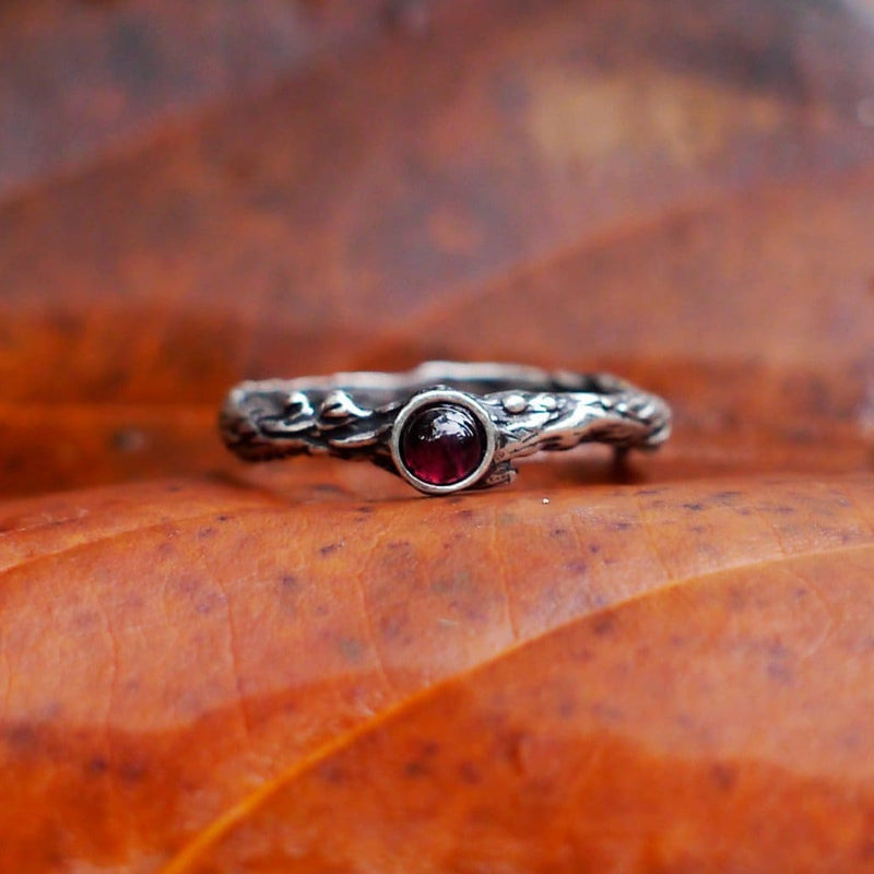 "Sterling Silver Garnet Ring ""Dew"" - blacktreelab"
