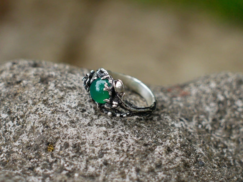 "Sterling Silver Green Agate Ring ""Fay"" - blacktreelab"