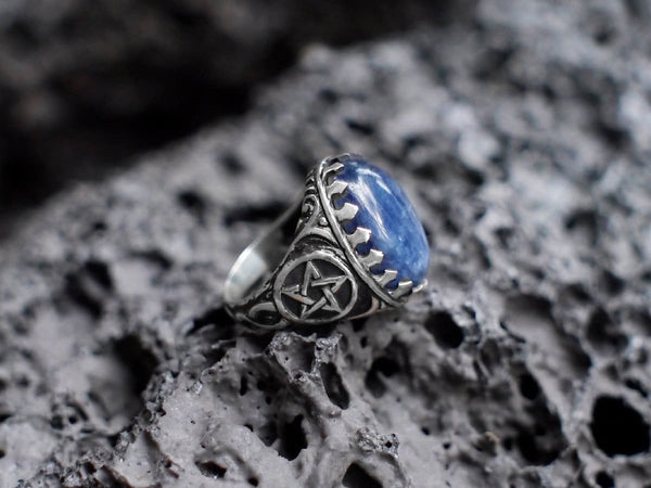 Sterling Silver Kyanite Pentagram Ring - blacktreelab