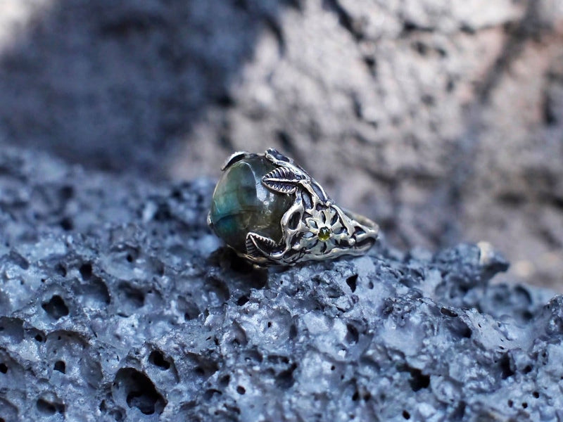 "Sterling Silver Labradorite Ring with Yellow Sapphire ""Flower Tribe"" - blacktreelab"