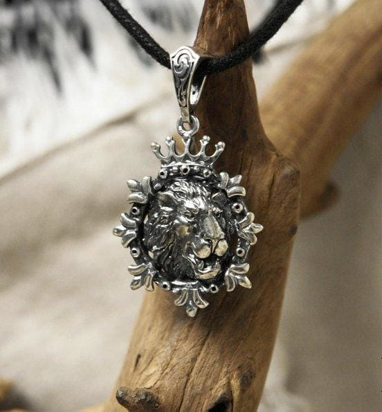 "Sterling Silver Lion Pendant ""King of Beasts"" - blacktreelab"