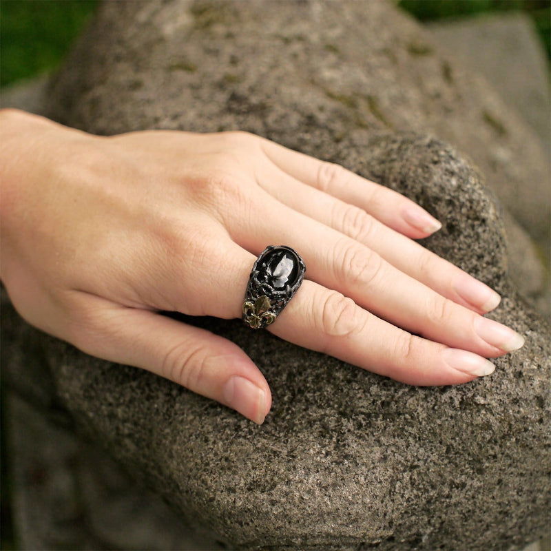 "Sterling Silver Ring with Black Onyx ""Black Lily"" - blacktreelab"