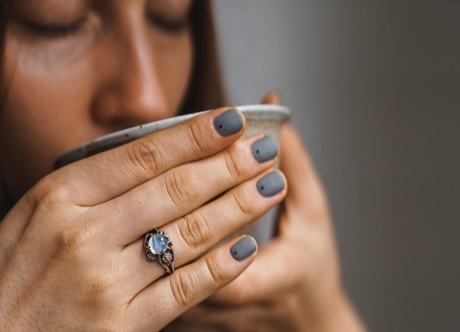 Moonstone Vs Rainbow Moonstone: What Is The Main Difference?